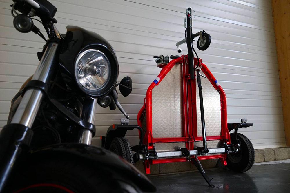 Info Mini remorque Remorque-moto-cafe-racer-uno-pliante-abaissante-4